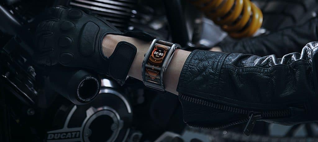 Smartwatch Nubia Watch got a curved 4-inch display TechRechard