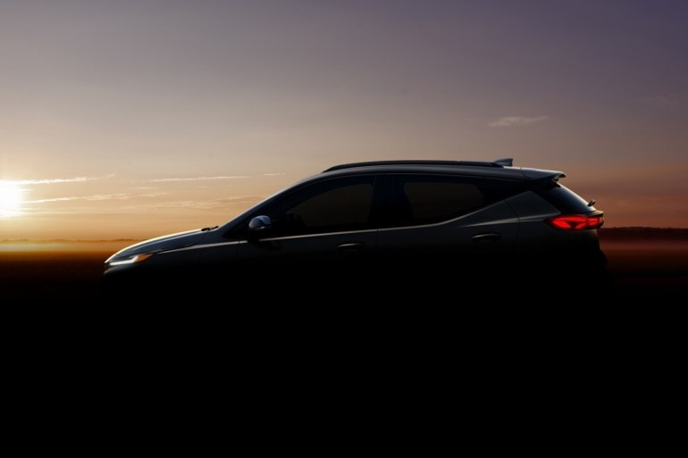 Chevrolet revealed official teasers of the updated Bolt EV and the new Bolt EUV electric crossover, their production will start in summer 2021