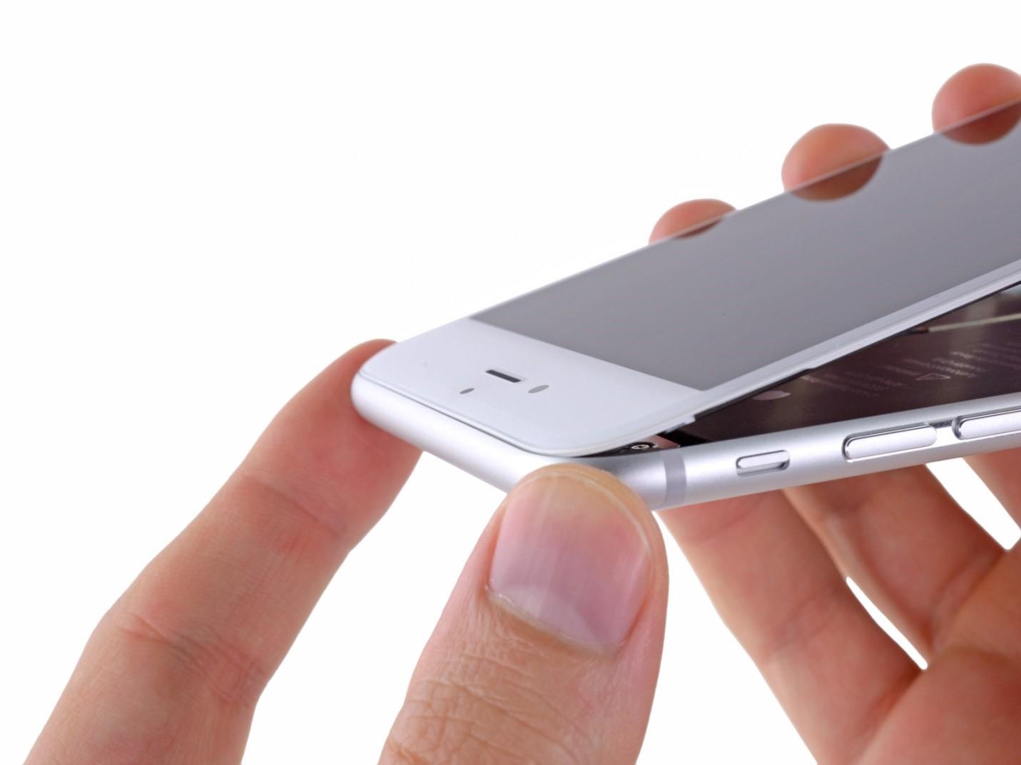 Is it possible to get money back if the repair of the smartphone was carried out poorly
