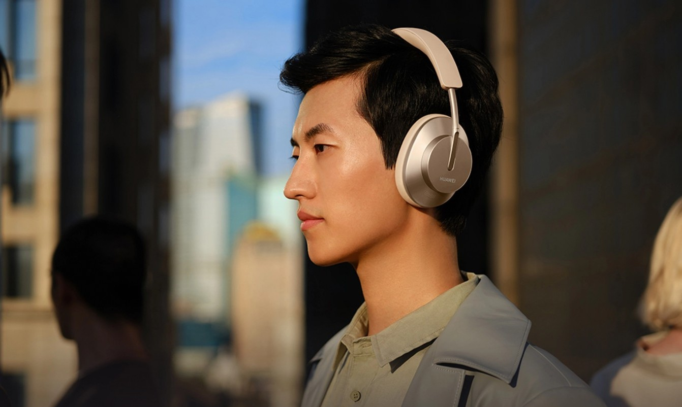 Huawei FreeBuds Studio - the company's wireless full-size headphones TechRechard