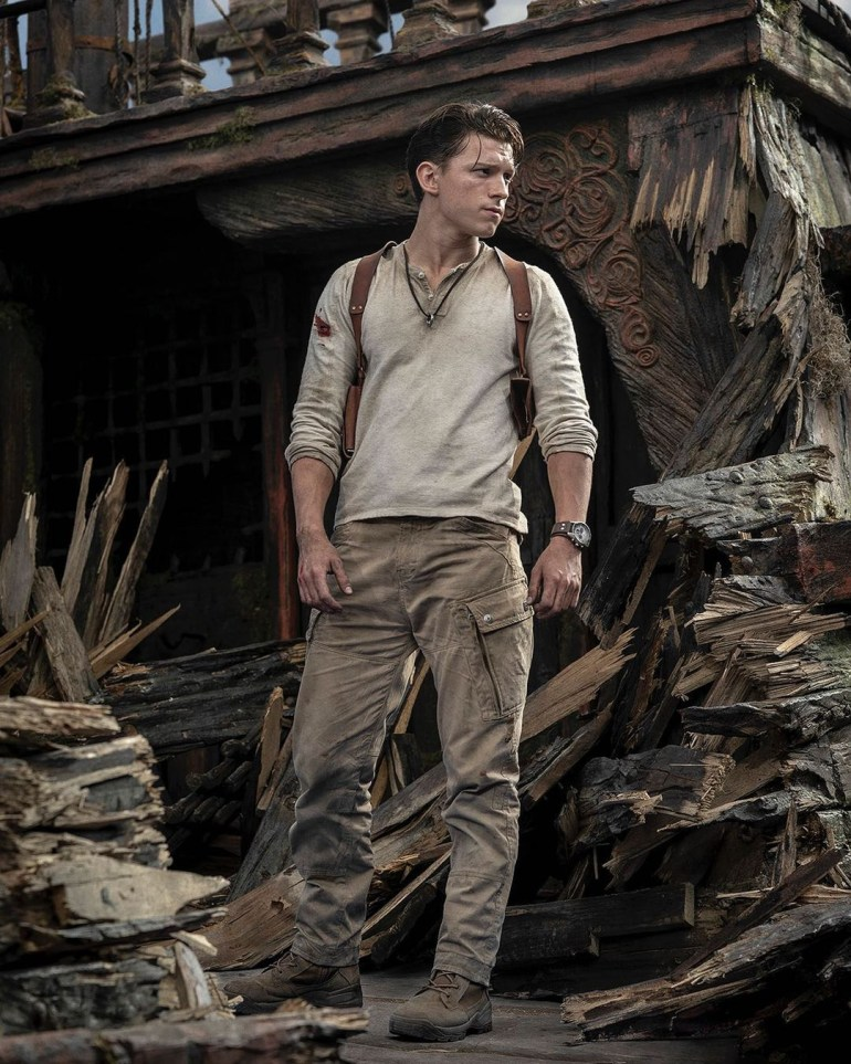 The first photos from the set of Uncharted: Tom Holland as Nathan Drake, meeting with Nolan North and others.