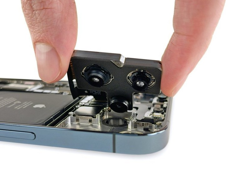 iFixit: iPhone 12 Pro Max uses a large camera module and a large battery