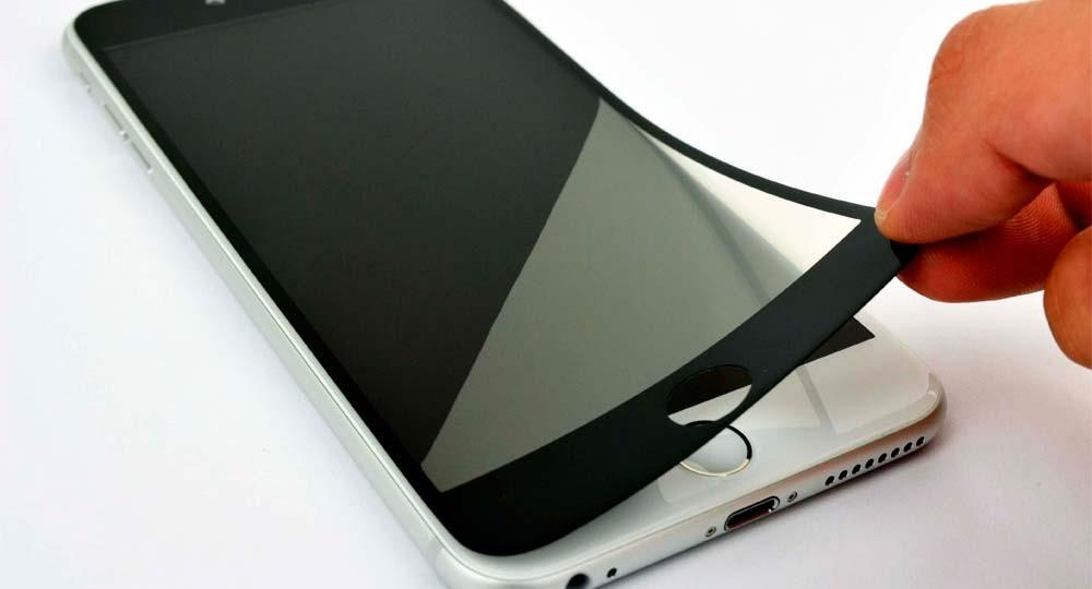 How to get rid of air under the protective glass of a smartphone