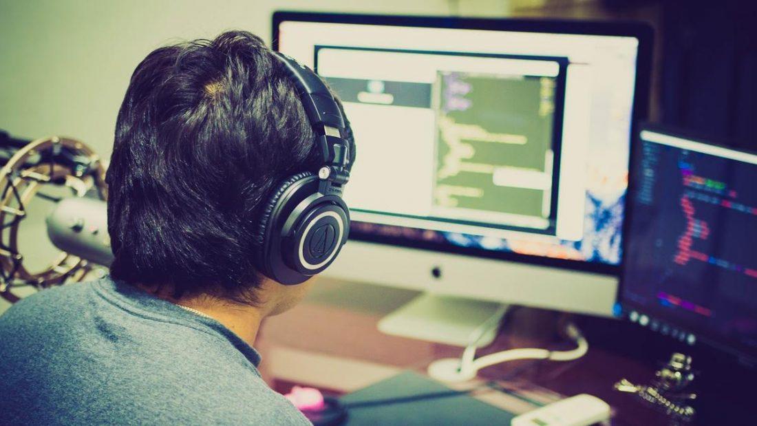 I hear myself in headphones: How to fix? TechRechard