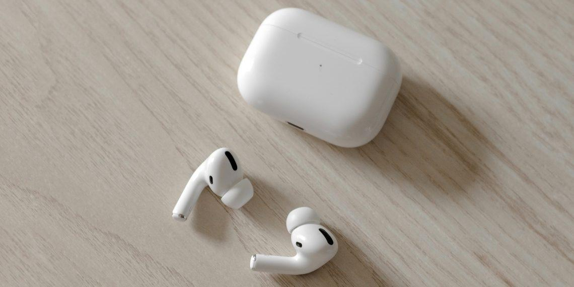 Lost AirPods: how to increase the chances of their return