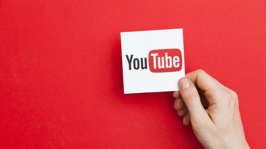 The browser version of YouTube now supports voice commands. TechRechard