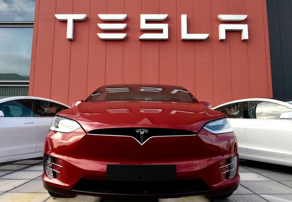 Tesla shares rush to a new record ($ 700) TechRechard