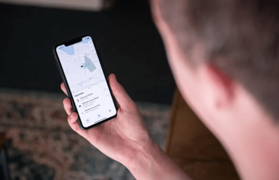 iPhone will track if AirTag is planted on you for secret tracking TechRechard