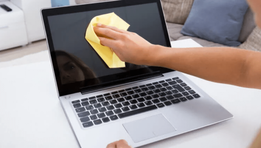 You can remove prints from the screen simply with a soft, lint-free cloth.