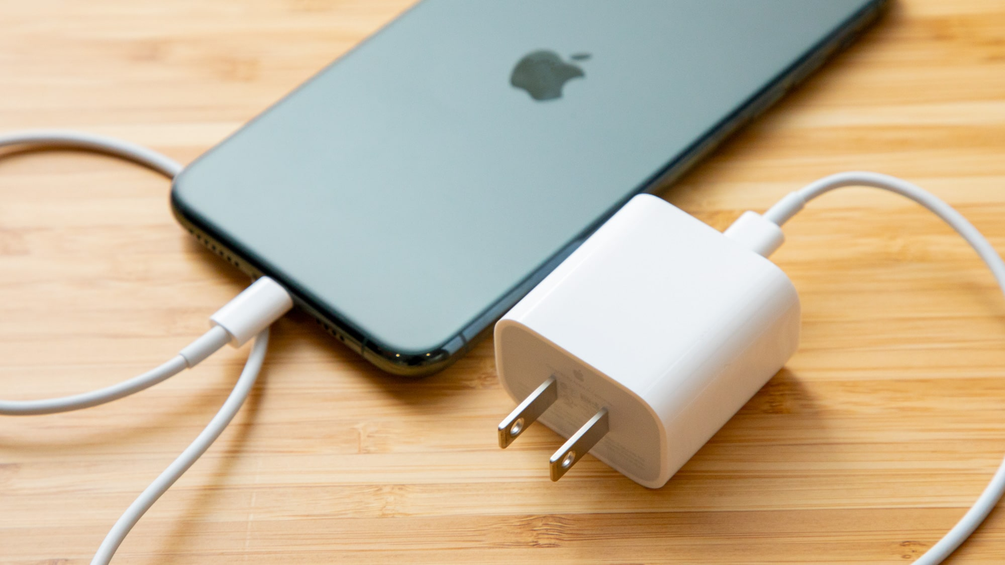 Choosing a fast charger for your iPhone 12: Tips and Best Selection TechRechard